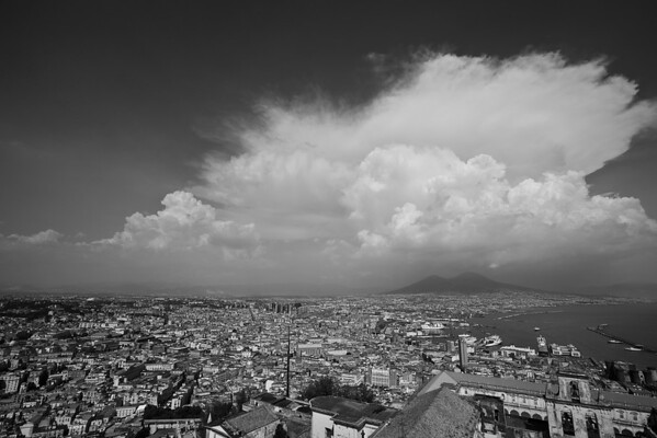 IMAGE: http://hkdave.smugmug.com/Places/Europe/Italy/Napoli-2014/i-LwCtTCF/0/M/IMG_0861A-M.jpg