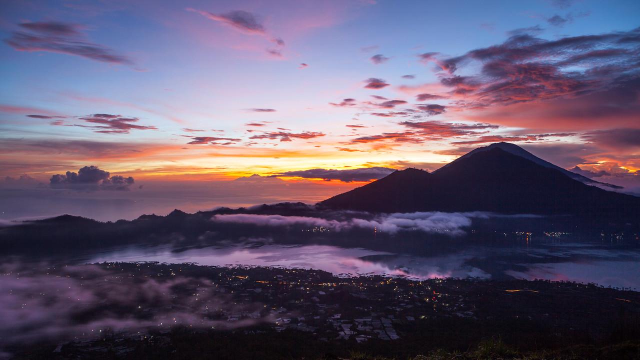 IMAGE: https://hkdave.smugmug.com/Places/Asia/Indonesia/Bali-/Gunung-Batur-Bali/i-nZk2t2B/0/X2/IMG_7234B-X2.jpg