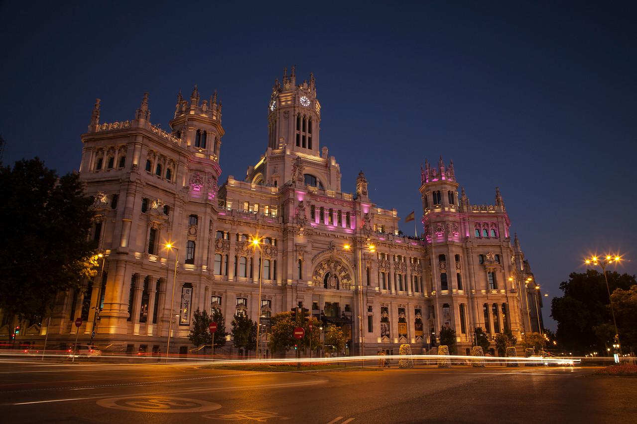 IMAGE: https://hkdave.smugmug.com/Places/Europe/Spain/Madrid/i-mfBVzbb/0/X2/IMG_3933A-X2.jpg